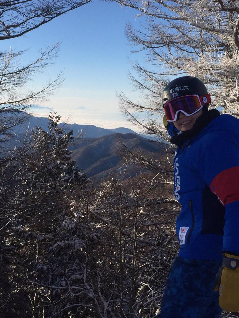 早朝練習では山頂から富士山を眺める