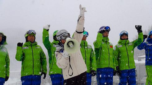 最後のシーハイルで、スキー大学第1会場の全日程が終了しました。