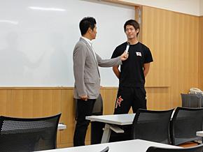 メディアトレーニングでの模擬インタビュー