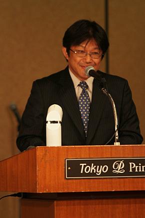 司会・吉田アナの出席者紹介から記者会見が開始された