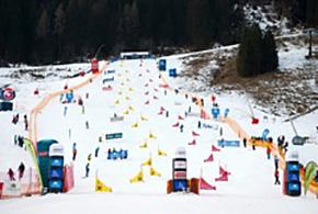 厳しいスノーコンディションとなった今大会コース