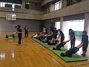 体育館でのコンディショニングトレーニング