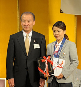 フリースタイル・スキーハーフパイプ銅メダル 小野塚彩那選手