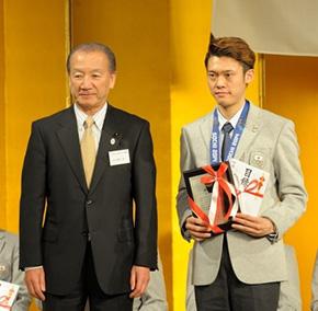 ジャンプ団体銅メダル 竹内 択選手